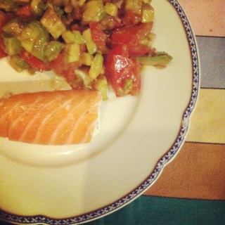 starter Léo: salmon with avocado salad
