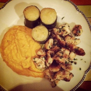 main course Léo: courgette, grilled chicken with mashed sweet potato